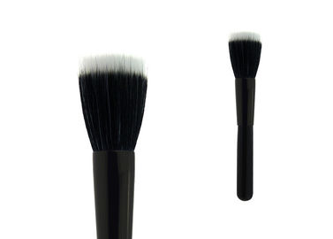 China Black Long Handle Flat Top Brush Buffer Makeup Brush With White Black Nylon Hair factory